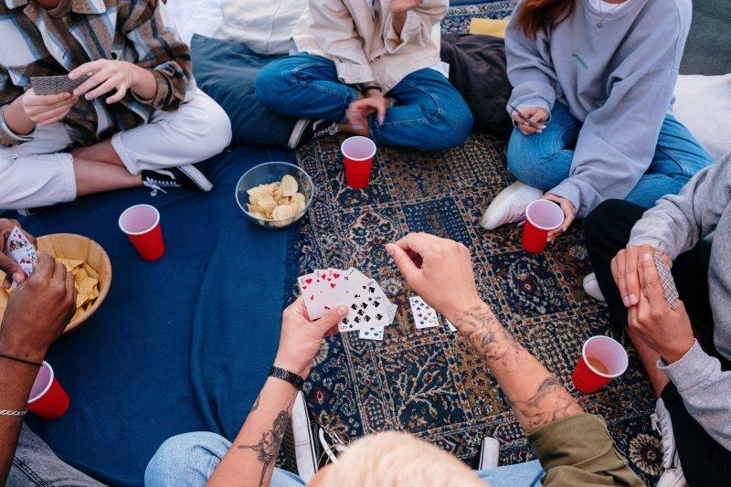 Kartenspiel in Gesellschaft
